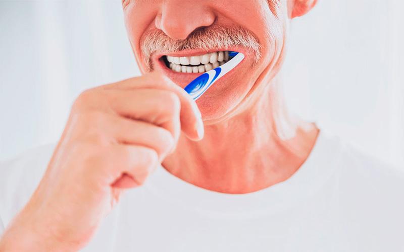En este momento estás viendo 🦷 La Salud Dental en las Personas Mayores