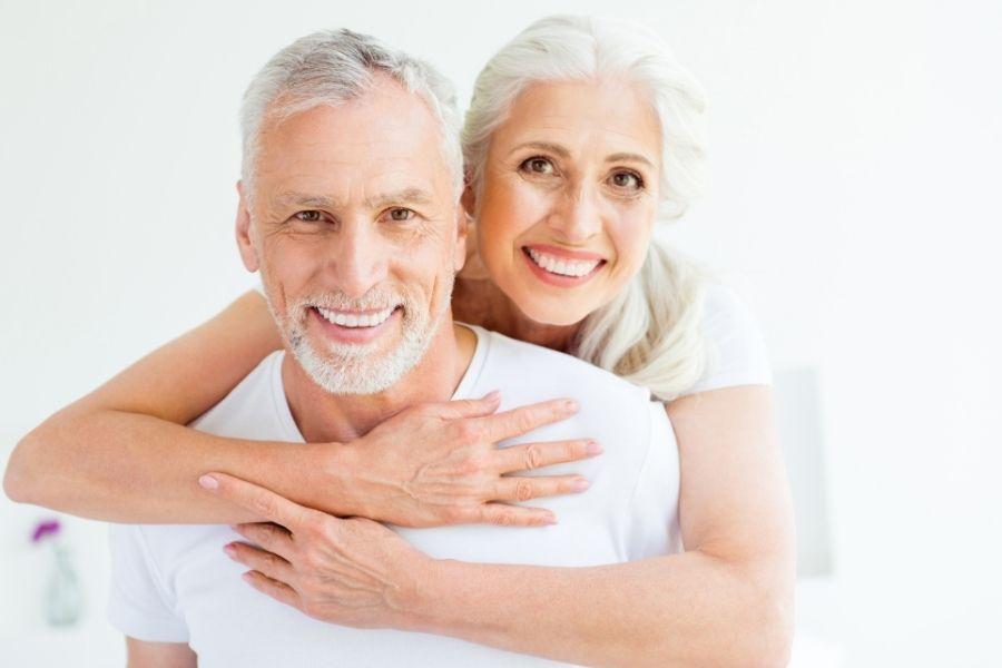 En este momento estás viendo 🦷 Consejos de limpieza y mantenimiento para tus implantes dentales