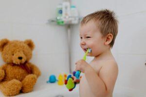 Lee más sobre el artículo 🦷 Enseñar a nuestros pequeños, previene caries y enfermedades